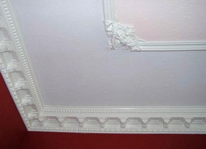 Плинтуса на потолок фото