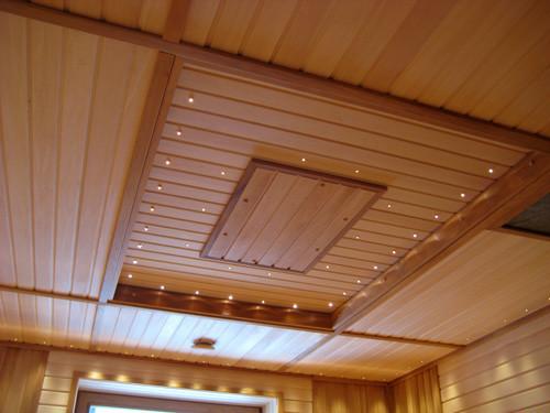 Чем покрасить потолок из вагонки: возможные варианты