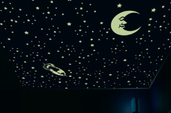 """Потолок """"звездное небо"""" в детской"""
