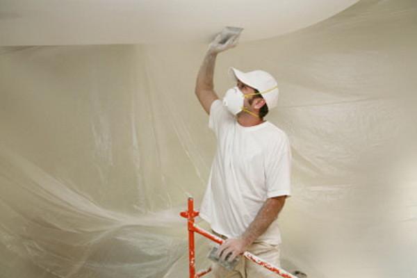 Демонтаж потолков: советы и необходимые инструменты
