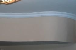 Изогнутый потолочный плинтус