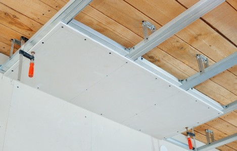 Mонтаж гипсокартонного потолка