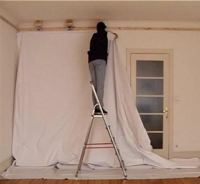 Потолок: гипсокартон или натяжной, сравнение их характеристик