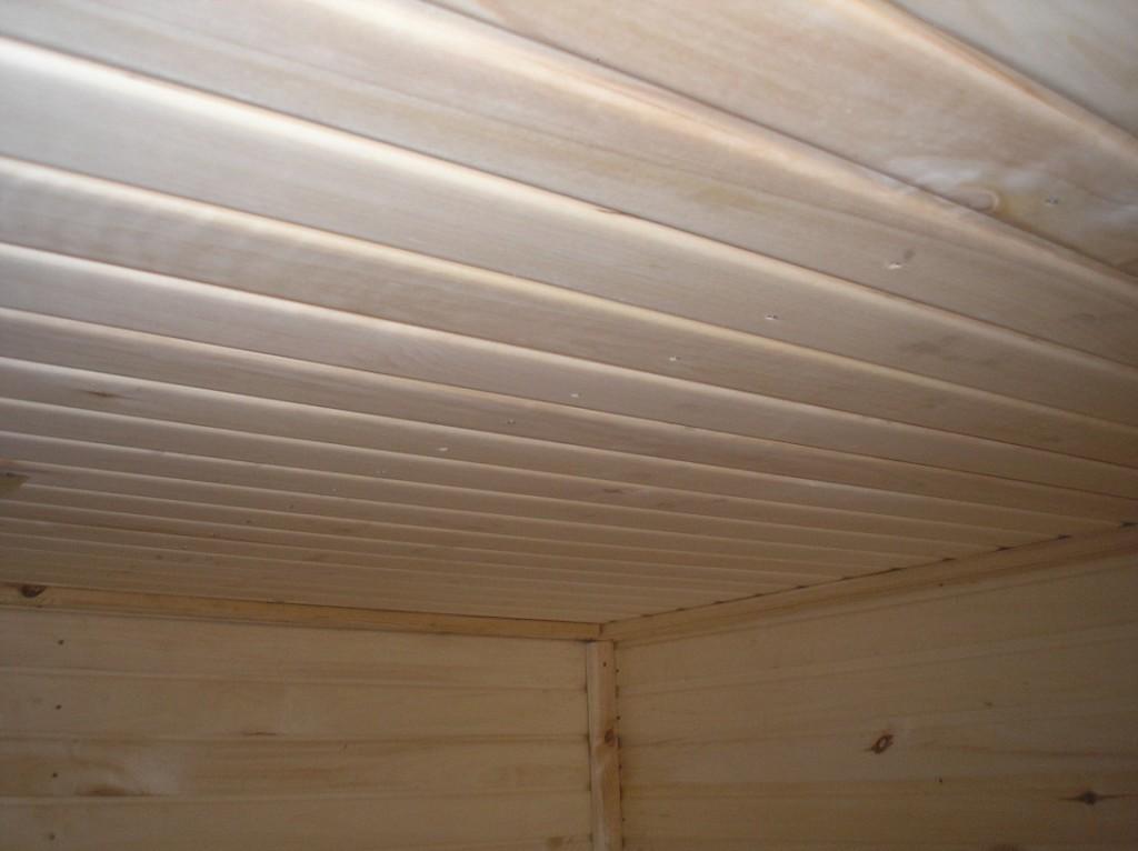 Отделка потолка бани вагонкой