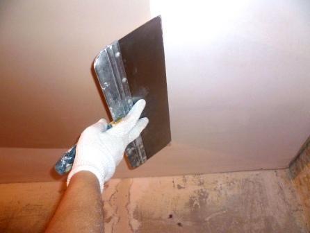 Потолок из гипсокартона своими руками: шпаклевка и монтаж