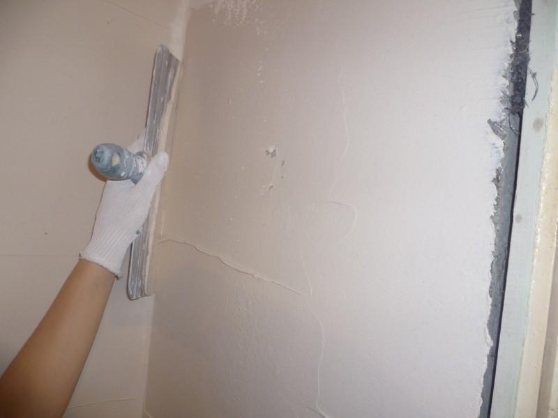 Шпаклевка стен и потолков – подготовка к дальнейшему декорированию