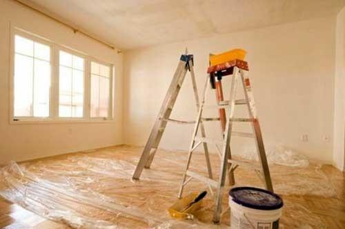 Покраска потолка из гипсокартона: варианты