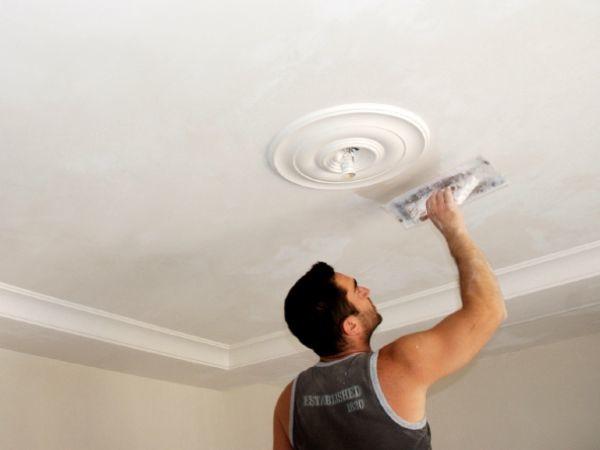 Процесс отделки потолкаПроцесс отделки потолка