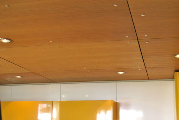 Дизайн потолок из вагонки