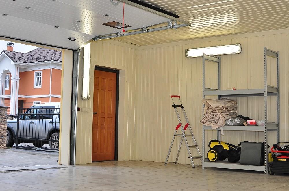 Дизайн потолка в гараже