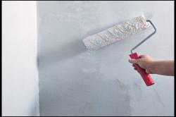 Для нанесения грунтовки используется валик.