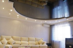 Комбинированный потолок с ГКЛ по периметру