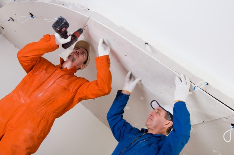 Как шпаклевать потолок из гипсокартона правильно