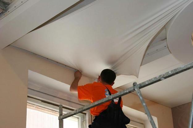 Приступать к монтажу натяжного потолка можно только после того, когда ремонтно-отделочные работы завершены.