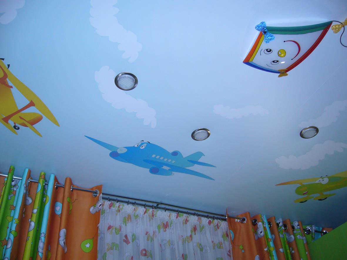 Роспись на одноуровневом потолке