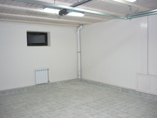 Чем обшить потолок в гараже: варианты, выполняемые своими руками