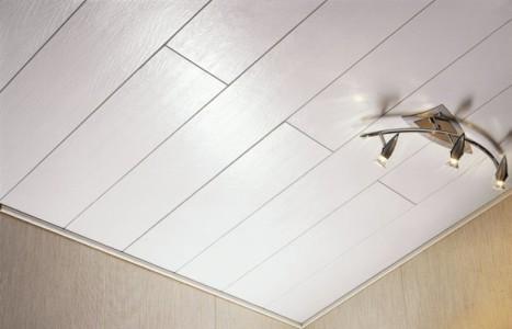 Потолок из панелей мдф