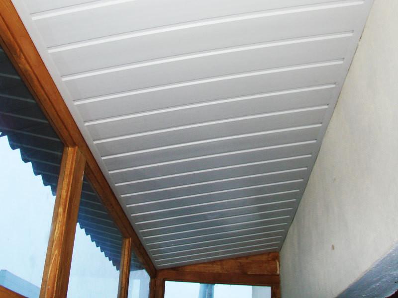 Как сделать потолки на балконе 852