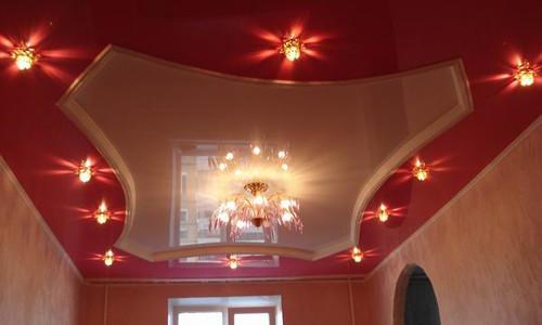 Потолок в комнате: сделать подвесной или натяжной?