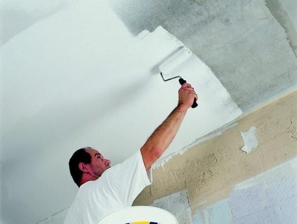 Покраска потолка в ванной комнате силиконовой краской