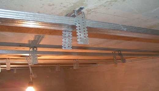 Как класть пластик на потолок: материалы, инструменты, этапы работы