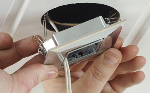 Схема подключения потолочных точечных светильников: с чего начать?