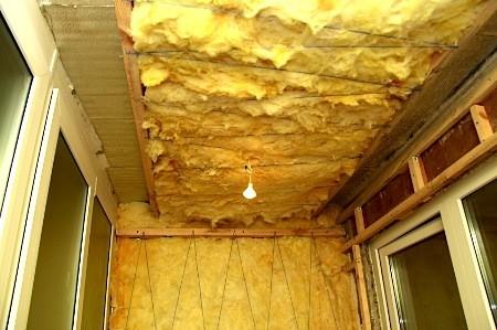 Потолок на лоджии своими руками: утепление и отделка