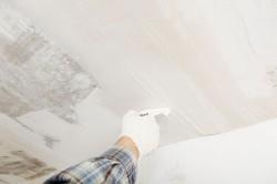 Как выровнять потолок: способы, материалы и инструменты