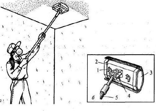 Сухое выравнивание потолка шарнирной теркой