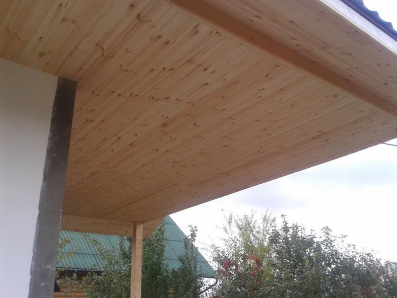 Потолок на веранде и его монтаж