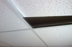Ремонт потолка из ПВХ панелей