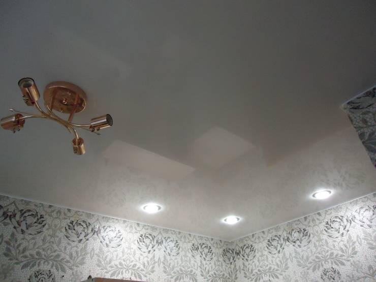 Как правильно помыть потолок