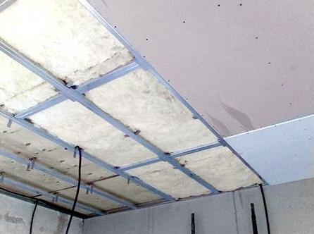 Выравнивание потолка листами гипсокартона