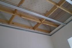 Каркас потолка из дерева