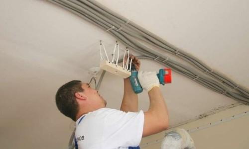 Монтаж освещения подвесного потолка