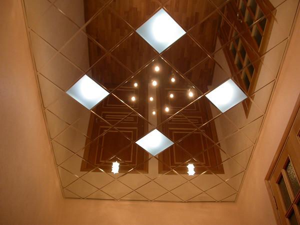 Какой потолок лучше сделать в коридоре фото 60